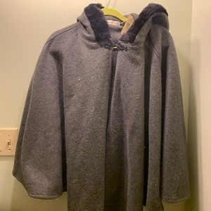 NWT Amanda Smith Grey Cape